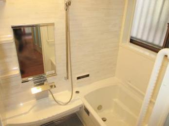 築20年近くなったお風呂が新しくできて、とても嬉しいです。