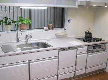 お掃除や収納がしやすいキッチンになってとても感謝しています。